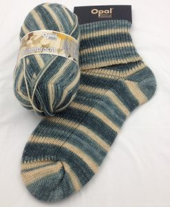 Opal Blutenpracht (Flower Blossom) 9116 Mergeriten (Marguerite) sock / glove knitting yarn